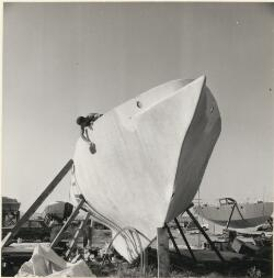 Frenchman Christian Therin working on his 15 metre ferro